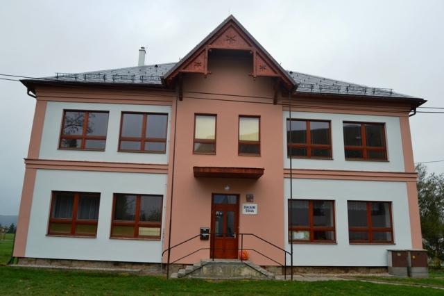 Rekonstrukce budovy základní školy Maletín